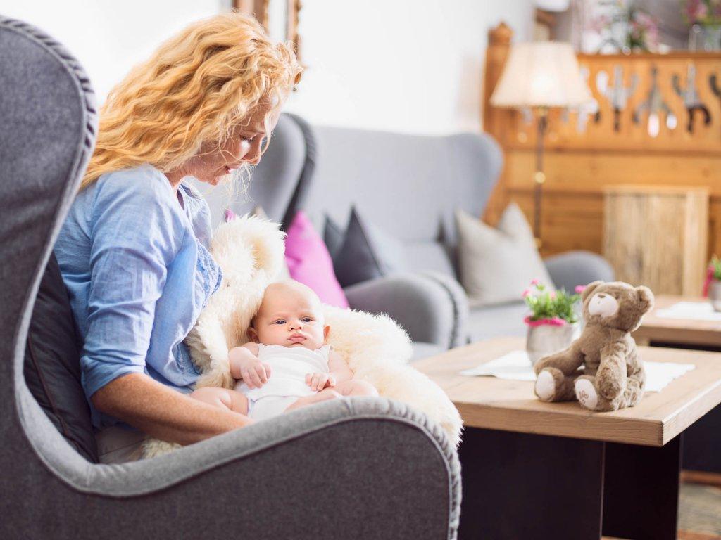 urlaub mit baby im familien natur resort familienhotel moar gut. Black Bedroom Furniture Sets. Home Design Ideas